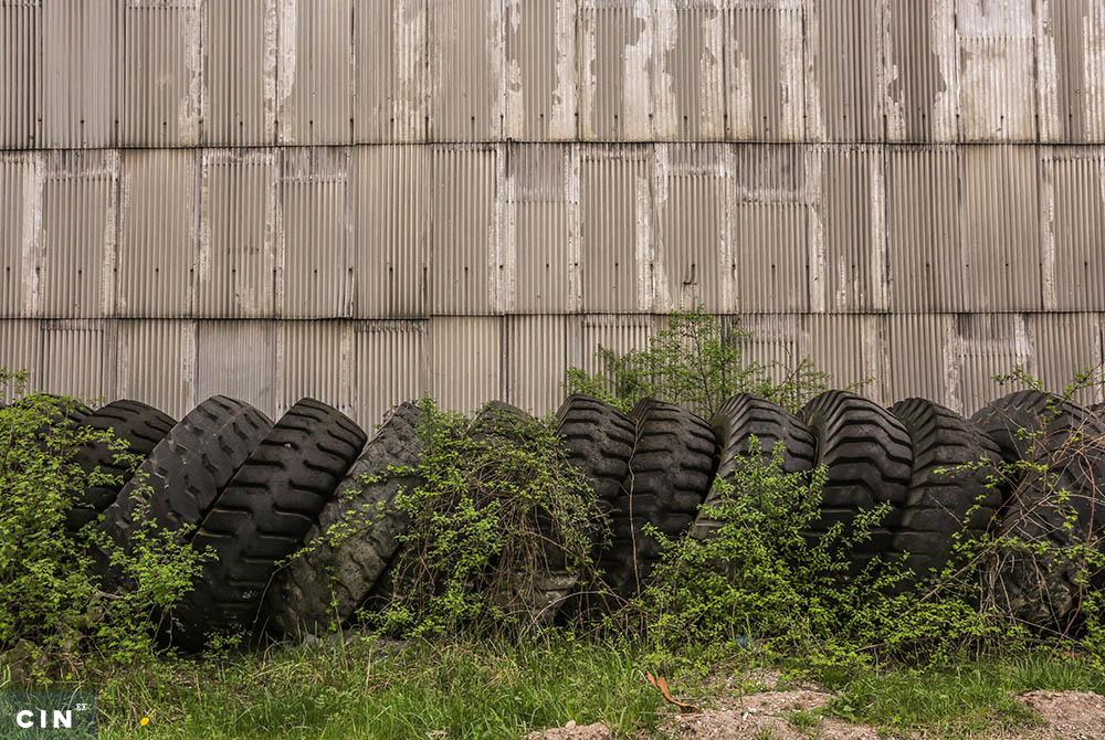 Kamionske-gume-na-površinskom-kopu-Višća