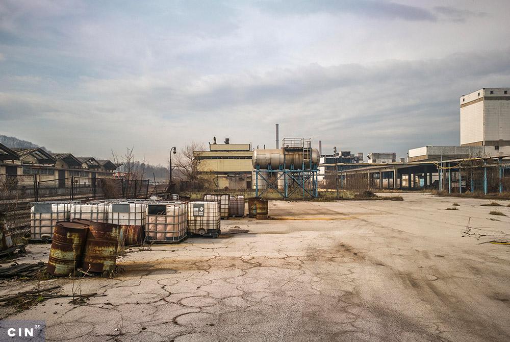 Napušteno-postrojenje-u-krugu-HAK-a-Tuzla