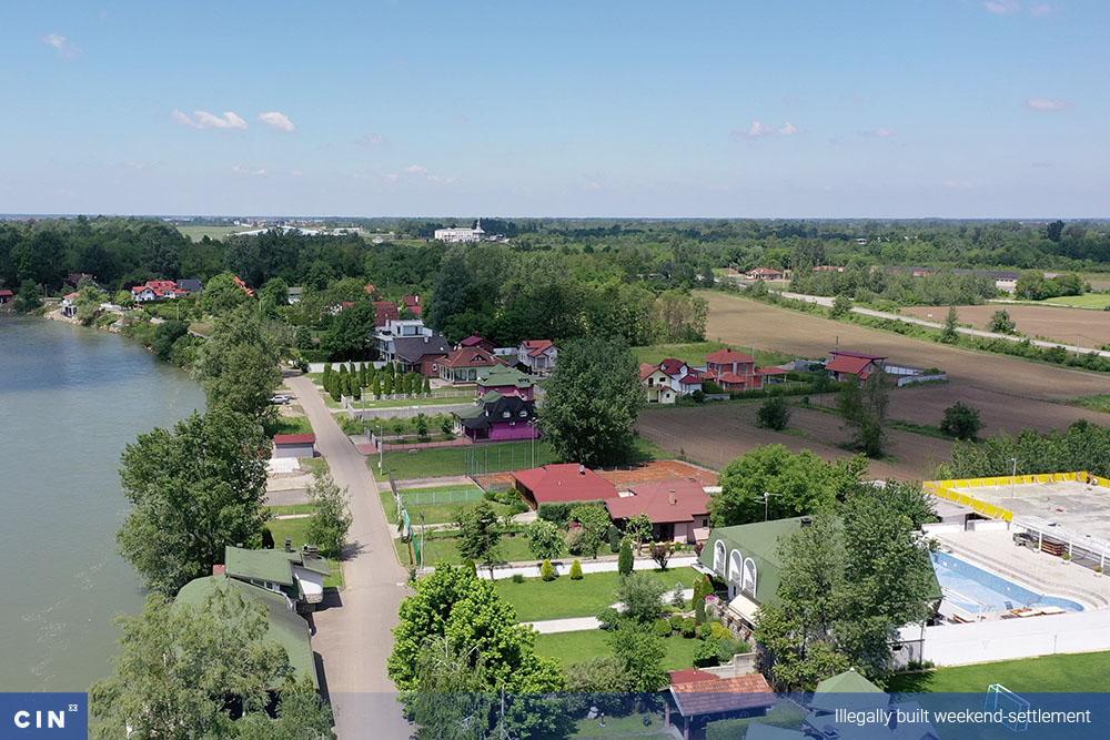 006_Illegally-built-weekend-settlement