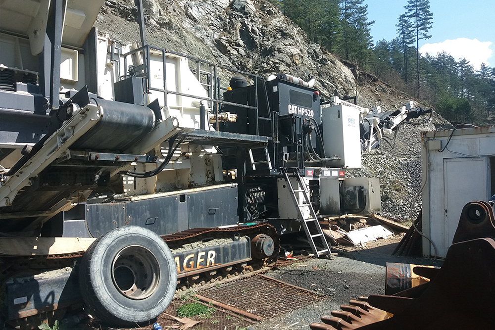 Allegedly new stone crusher that Anto Zeko bought in 2015 from Lager broke down eight times in five months of operation (Photo: Paloč doo)